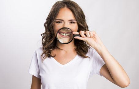 بستن فاصله بین دندان ها